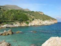 tra Scopello e la Riserva Naturale dello Zingaro: Cala Mazzo di Sciacca - 29 ottobre 2006  - Castellammare del golfo (713 clic)