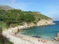 tra Scopello e la Riserva Naturale dello Zingaro: Cala Mazzo di Sciacca - 29 ottobre 2006  - Castellammare del golfo (1166 clic)