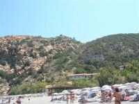Villaggio Turistico Capo Calavà: dalla spiaggia seguiamo il volo di un parapendio - 23 luglio 2006   - Gioiosa marea (1223 clic)