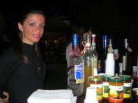 Cous Cous Fest 2007 - Al banco della degustazione dei liquori tipici siciliani - 28 settembre 2007   - San vito lo capo (924 clic)