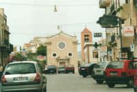 Corso VI Aprile: Porta Trapani e Chiesa di S. Maria delle Grazie - 19 agosto 2001  - Alcamo (1793 clic)