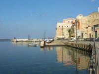 al porto: riflessi - 3 dicembre 2006  - Castellammare del golfo (763 clic)