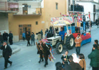 Sfilata di carnevale - 5 marzo 2000  - Castellammare del golfo (1393 clic)