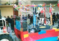 Sfilata di carnevale - 5 marzo 2000  - Castellammare del golfo (1167 clic)