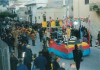 Sfilata di carnevale - 5 marzo 2000  - Castellammare del golfo (1369 clic)