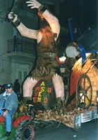 Sfilata di carnevale - 5 marzo 2000  - Castellammare del golfo (1074 clic)