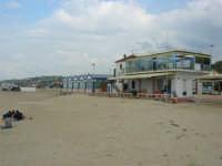 contrada Spiaggia Plaja - Ristorante Pizzeria La Darsena - 7 maggio 2006   - Castellammare del golfo (3595 clic)
