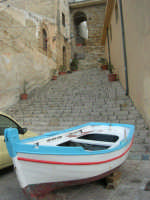 scalinata sul porto - 3 dicembre 2006  - Castellammare del golfo (712 clic)
