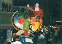 Sfilata di carnevale - 5 marzo 2000  - Castellammare del golfo (1178 clic)