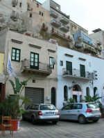 case sul porto e Bar Vogue - 3 dicembre 2006  - Castellammare del golfo (1159 clic)