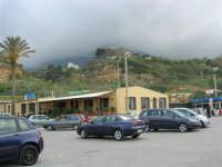 contrada Spiaggia Plaja - Ristorante La Nuova Lampara - 7 maggio 2006   - Castellammare del golfo (1664 clic)