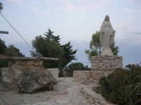 Chiesa Maria SS. delle Grazie: per tetto il cielo, per pareti il verde ed il mare - 2 giugno 2008    - Scopello (1544 clic)