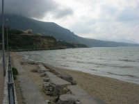 Spiaggia Plaja - panorama - 7 maggio 2005   - Castellammare del golfo (1257 clic)