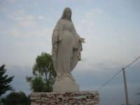 Chiesa Maria SS. delle Grazie: per tetto il cielo, per pareti il verde ed il mare - 2 giugno 2008    - Scopello (1415 clic)