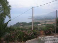 Chiesa Maria SS. delle Grazie: per tetto il cielo, per pareti il verde ed il mare - 2 giugno 2008    - Scopello (1337 clic)