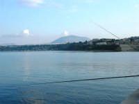 dal molo: canne da pesca - In fondo il Monte Bonifato - 3 dicembre 2006   - Castellammare del golfo (889 clic)