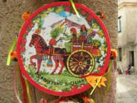 esposizione di tamburelli siciliani  - 25 aprile 2006  - Erice (3513 clic)
