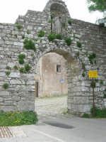 Mura Elimo Puniche dette ciclopiche - Porta Carmine  - sec. VIII-VI a.c. - 25 aprile 2006  - Erice (4713 clic)