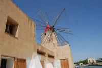Mulino a vento nella Riserva delle Isole dello Stagnone di Marsala - 25 maggio 2008   - Marsala (908 clic)