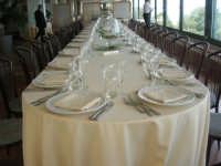 tavola imbandita per un banchetto all'Hotel Belvedere - 20 aprile 2008  - Castellammare del golfo (3198 clic)