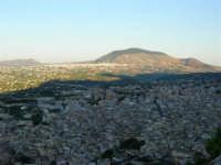 Dal Belvedere: Castellammare, Alcamo e Monte Bonifato - 4.7.2005  - Castellammare del golfo (1306 clic)