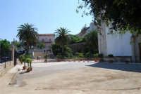 piazzale e scalinata del Santuario Madonna dei Miracoli - 9 maggio 2009  - Alcamo (2260 clic)