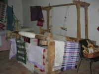 Cene di San Giuseppe - mostra di manufatti - telaio - 15 marzo 2009  - Salemi (2502 clic)