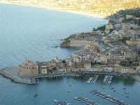 Dal Belvedere: il Castello ed il porto di Castellammare - 4.7.2005  - Castellammare del golfo (1336 clic)
