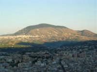 Dal Belvedere: Castellammare, Alcamo e Monte Bonifato - 4.7.2005  - Castellammare del golfo (1266 clic)