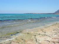 Golfo del Cofano - spiaggia . . . rocciosa - 30 agosto 2008  - San vito lo capo (600 clic)