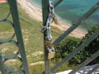 panorama dal belvedere . . . e lucchetti dell'amore - 25 aprile 2008   - Sciacca (1791 clic)