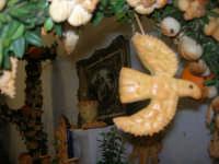 Cene di San Giuseppe - Altare di pani - esposizione di lavori artigianali effettuata dalla popolazione femminile della Casa Circondariale di Trapani - 15 marzo 2009   - Salemi (2548 clic)