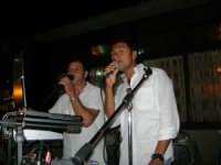 Duo Melody Orazio & Vincenzo - Villa Zagara: grazie alla loro esibizione (padre e figlio cantano assieme), abbiamo trascorso una piacevolissima serata. Veramente bravi: rinnoviamo i nostri complimenti - 3 settembre 2008   - Capaci (3511 clic)