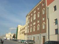 Lungomare Dante Alighieri - Palazzo della Provincia - 13 marzo 2009  - Trapani (2657 clic)