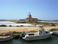 Saline Infersa e mulino a vento nella Riserva delle Isole dello Stagnone di Marsala - 25 maggio 2008   - Marsala (942 clic)