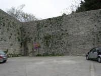 Mura Elimo Puniche - sec. VIII-VI a.c. - Porta Spada - 25 aprile 2006  - Erice (4434 clic)