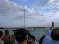 Louis Vuitton Acts 8&9 - Rientro in porto dopo le gare del pomeriggio - 2 ottobre 2005  - Trapani (1847 clic)