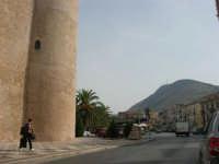 Castello dei Conti di Modica: torre sud-est, piazza Della Repubblica e monte Bonifato - 12 settembre 2008   - Alcamo (1014 clic)
