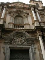 Una chiesa del centro storico - 2 ottobre 2005   - Trapani (1499 clic)