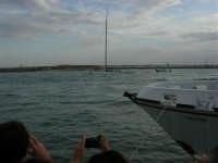 Louis Vuitton Acts 8&9 - Rientro in porto dopo le gare del pomeriggio - 2 ottobre 2005  - Trapani (1870 clic)