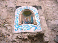 per le vie di Vita - murales - immagine della Madonna di Tagliavia - 9 ottobre 2007   - Vita (3127 clic)