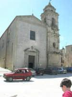 Piazza Castello - Chiesa S. Sebastiano - 23 aprile 2006  - Chiusa sclafani (1521 clic)
