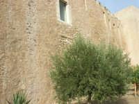 Castello dei Conti di Modica, lato sud - 12 settembre 2008   - Alcamo (871 clic)
