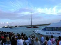 Louis Vuitton Acts 8&9 - Rientro in porto dopo le gare del pomeriggio - 2 ottobre 2005  - Trapani (1876 clic)