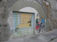 per le vie di Vita - murales - Mestieri e tradizioni della civiltà contadina: ciabattino davanti la porta - 9 ottobre 2007   - Vita (3621 clic)