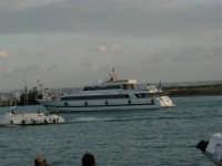 Loius Vuitton Acts 8&9 - Rientro in porto dopo le gare del pomeriggio - 2 ottobre 2005  - Trapani (1846 clic)