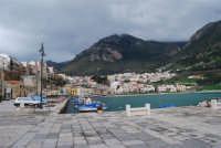 la città vista dal porto ed il monte Inici - 13 febbraio 2009   - Castellammare del golfo (1909 clic)