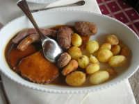 secondo: salsiccia, involtini,tacchino, patate - 1 maggio 2009   - Erice (5287 clic)