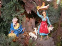 il presepe dinanzi la Chiesa di S. Maria del Gesù: particolare - 7 dicembre 2008  - Alcamo (848 clic)