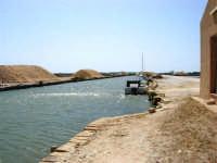Saline Infersa e canale dell'imbarcadero per l'isola di Mozia - 25 maggio 2008    - Marsala (847 clic)